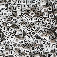 Cuentas Letras Alfabeto - 1000 Piezas Letra perlas para Brazaletes, Collares, Joyas y Manualidades para Niños - 5x5mm Cuentas de Plástico de Acrílico con Acabado Blanco Perlas de Alfabeto