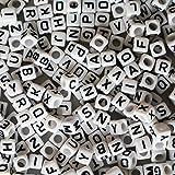 1000 Alphabet Buchstaben Perlen von Kurtzy - 5 x 5mm DIY Armband, Halsketten Herstellung und Kinder-Schmuck Bastelperlen - Acryl Weiße Buchstabenperlen in Weiß Lackiert für Hochwertige Ergebnisse