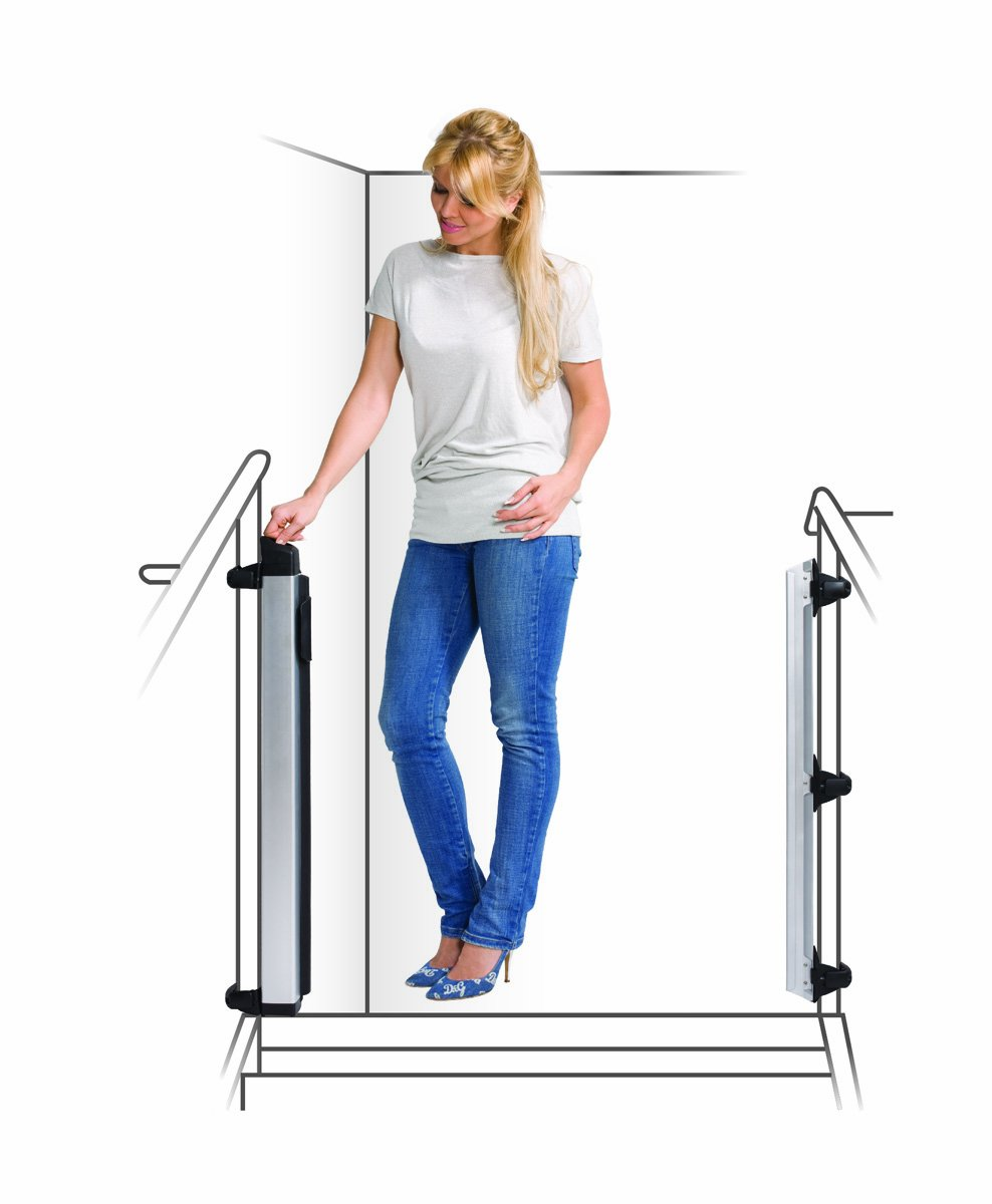 Lascal KiddyGuard Avant Baby Safety Gate Black Lascal Safety Gate discètes on easy to use one handed The curtain can extends to protect any space up to 120cm wide and 80cm height Designed to withstand an impact of 100kg 5