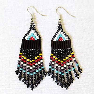 Boucles d'oreilles petit chandelier en perles Sud Africain Zoulou - Noir et multicolore