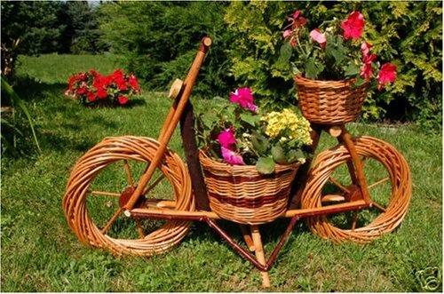 Blumenfahrrad aus Korbgeflecht