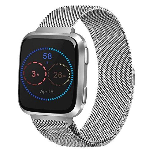 Morcoo Fitbit Versa Cinturino Argento,Sgancio Rapido Cinturino con Milanese Loop in Acciaio Inox Metal Bracciale di Ricambio con Unico Magnet Lock Accessori Braccialetti per Fitbit Versa Smart Watch (5.5'-8.7', Argento)