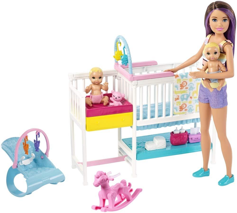 Mattel Barbie Skipper Hora de la Siesta-Muñeca Canguro con bebés y Accesorios, Multicolor GFL38