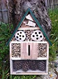 GARDEN INSECT BUG BOX HOTEL FOR BEES, WASPS, LADYBIRDS, BUTTERFLIES & MORE