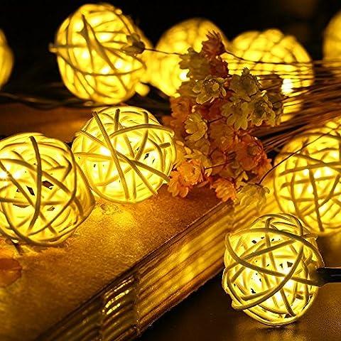 SunJas 30 LEDs 6 Meter Solar Lichterkette Rotang Peddigrohr Garten Globe Kugel Außen Warmweiß Solar Beleuchtung Kugel für Party, Weihnachten, Outdoor, Fest Deko usw. (30 LEDs warmweiß)