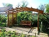 Jardín Verde - Pérgola de Madera 'Sophie' con Techo de Arcos y Lados Enrejados.