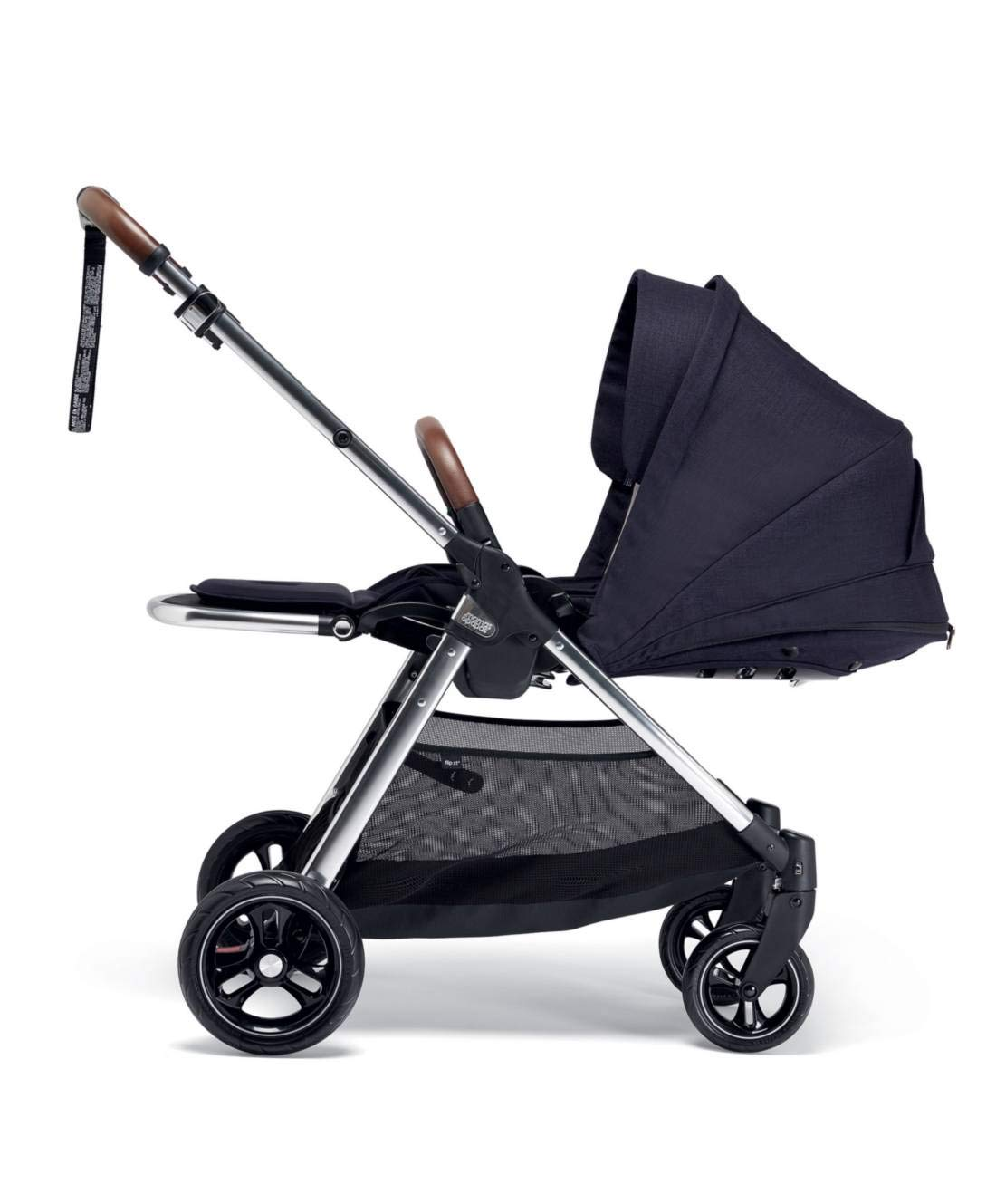 Mamas & Papas Flip XT3 Pushchair - Dark Navy Mamas & Papas PUSHCHAIR - Our lightweight Flip XT3 pushchair is perfect for handling busy streets FOLDABLE - This pushchair can be stored away quick and compact with the easy one handed fold FEATURES - The lie-flat position supports natural, healthy sleep while the UPF 50+ large hood & air vent provides cooling protection from the sun 3