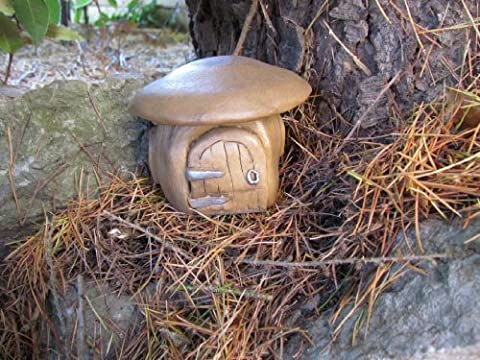 LARGE HOBBIT HOUSE SET IN MUSHROOM/TOADSTOOL ORNAMENT by Penfound Productions