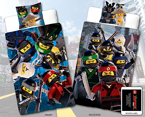 Lego Ninjago Kinder-Bettwäsche Movie Battle - 135x200 cm + 80x80 cm - 100% Baumwolle Linon - Cole - Jay - Kai - Lloyd - Zane - Nya - Misako - Sensai Wu - Renforcé - deutsche Größe - Wende-Motiv (Bio-flanell-bettwäsche)
