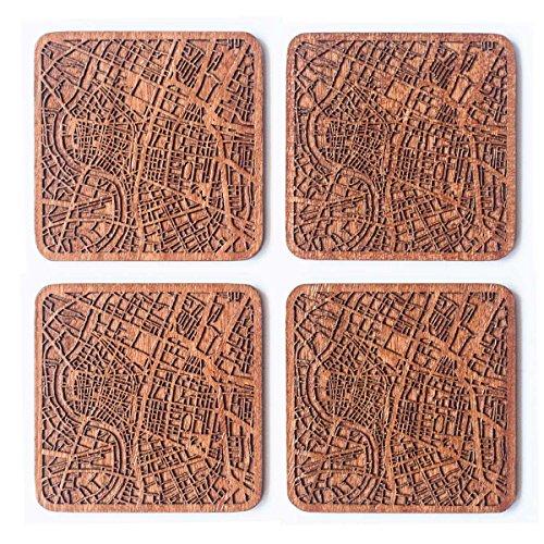 mit Landkarte aus Sapeli-Holz, 4 Stück, mit Stadtkarte, mehrere Stadt optional, handgefertigt ()