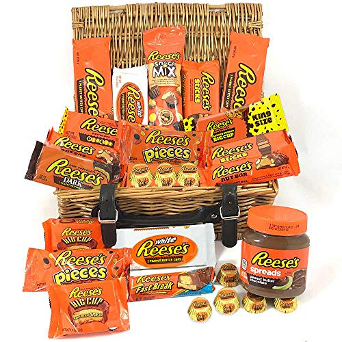 Großer Amerikanische Reeses Schokolade Geschenkkorb     Peanut Butter und Schokolade   Peanut Butter Cups, Pieces, Sticks, Nut Bars, Nutella Miniatures   25 Produkte in einer Naturweidenkorb