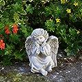Liebevolle Engel Figur aus Steinguss Gartenfigur frostfest Grabdeko von gartendekoparadies.de auf Du und dein Garten