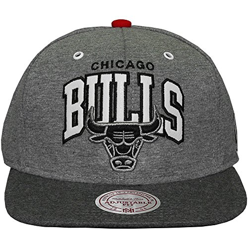 Mitchell And Ness - Casquette Snapback Homme Chicago Bulls Warm Up - Grey