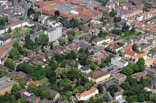 MF Matthias Friedel - Luftbildfotografie Luftbild von Röntgenstraße in Grevenbroich (Neuss), aufgenommen am 20.06.05 um 11:49 Uhr, Bildnummer: 3439-09, Auflösung: 4288x2848px = 12MP - Fotoabzug 50x75cm