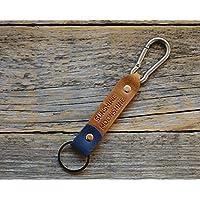 Leder Karabiner Schlüsselanhänger personifiziert mit Monogramm, Wunschname Ringhalter Klammer Schlüssel graviertes personalisiertes Karabiner-haken Geschenk