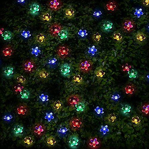 100 Mehrfarbigen LED Blume Solarlichterketten - Solarbetriebene Wasserfest Solar Garten Lichterketten - Solarlampen mit Eingebaut Nacht Sensor, Kette und Erdspieß - Solarleuchten für Außen, Zaun, Terrasse, Hof, Fußweg, Einfahrt, Draußen, Wand, Garage, Schuppen, Gehweg, Dekoration, Ornamente und Boden von SPV Lights: Der Solarlicht- & Beleuchtungsspezialist (2 Jahre kostenlose Gewährleistung inklusive) (Bunte Garten-blumen)