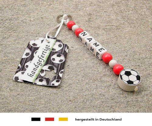 Preisvergleich Produktbild NAMENSANHÄNGER – Anhänger mit Namen | Baby Kinder Schlüsselanhänger für Wickeltasche, Kindergartentasche, Schultasche oder Rucksack mit Schlüsselring | Motiv Fussball in Vereinsfarben - rot, weiß