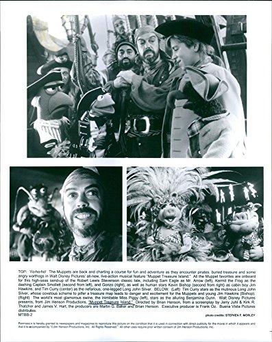 vintage-foto-di-diverse-scene-del-film-muppet-treasure-island-con-kevin-bishop-come-jim-hawkins-tim-