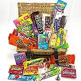 Gran cesta con American Candy   Caja de caramelos y Chucherias Americanas   Reeses Hersheys Reeses Jelly Belly Twinkie   Golosinas para Navidad Reyes o para regalo   En una Legítima Cesta de Mimbre