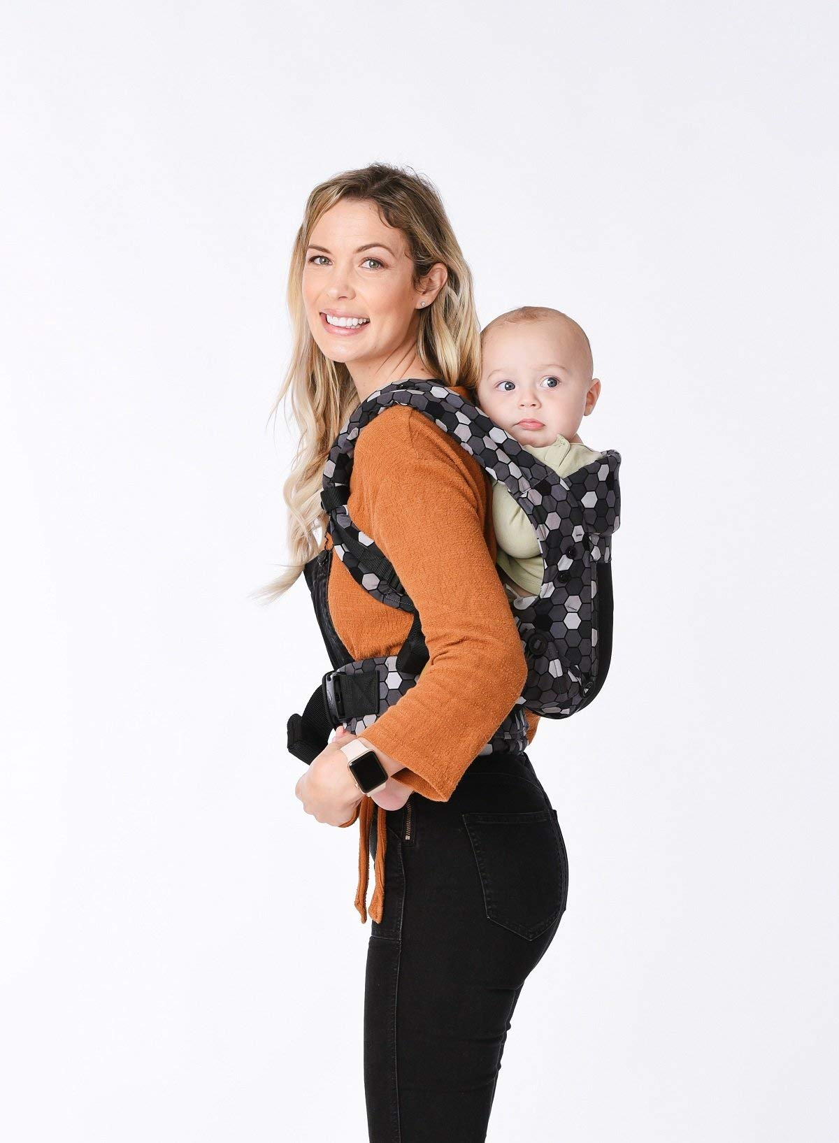 Tula Explore Baby Carrier Coast Buzz Tula Multiple porting positions, including front out. Baby carrier with an innovative main panel with an easy to adjust design in three width settings so that it can be used from 3.2 to 20.4 kg without the need for a baby cushion. The explore baby carrier has padded and adjustable neck support that can be used in multiple positions to provide head and neck support for newborn or sleeping babies 5
