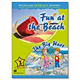 Macmillan Children's Readers Fun at the Beach Level 2