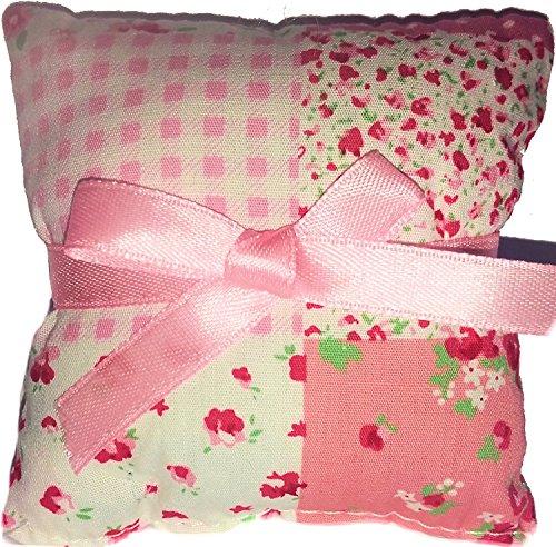 Preisvergleich Produktbild 1 Stück STOFF-DUFTKISSEN in romantischem ROSENDESIGN,  Duft: ROSE,  Farbe: ROSA,  Größe: 9x9cm