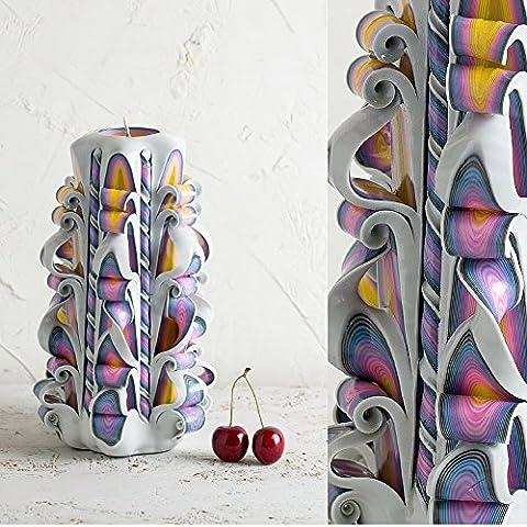 Dekorativ geschnitzte Kerze - Groß, Weiß mit Regenbogen-Litzen - sanfte Farben - EveCandles