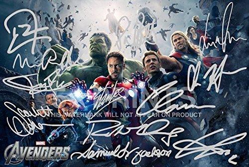 avengers-pp-x11-rdj-poster-sign-par-stan-lee-joss-whedon-mark-ruffalo-tom-hiddleston-scarlett-johans