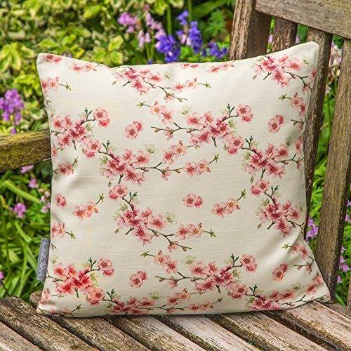 """Designer Wasserdicht Garten Außen Kissen - Cherry Blossom - """"Stechmücken Bank Garten"""" Sammlung - Entworfener Bedruckt & handgefertigt in Großbritannien - Creme, Set mit 2 40cm x 40cm Kissen"""