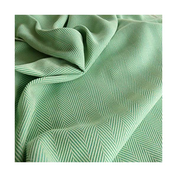 Didymos Woven Baby Wrap, Lisca Karibik, Size 6, 470 cm, Green Didymos Various carrying positions, in front, sideways an on the back Special, diagonally stretchable cloth to give optimal support Holds your baby in the anatomically correct posture 5