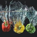 Wallario AluDibond, Bild auf Aluminium, Paprika-Mix - frische Paprika in rot, gelb und grün im Wasser- 50 x 50 cm in Premium-Qualität: gebürstete Oberfläche, freischwebende Optik