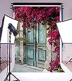 YongFoto 1x1,5m Shabby vorne Tür Hintergrund Frische Blumen Hintergründe für die Fotografie grün Blätter Vine Old Peeling Holz Tür Rustikal Vinyl Foto Hintergrund Kinder Erwachsene Studio Requisiten