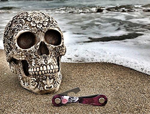 KEYKEEPA Designer Edition - Der smarte Schlüssel Organizer MADE IN GERMANY - inklusive Flaschenöffner und Öse (Pink skulls Design by DK) Pink skulls by DK
