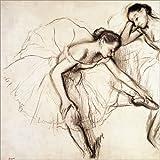 Poster 70 x 70 cm: Zwei Tänzerinnen ruhen von Edgar Degas - Hochwertiger Kunstdruck, Kunstposter