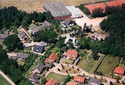MF Matthias Friedel - Luftbildfotografie Luftbild von Glockenheide in Winsen (Luhe) (Harburg), aufgenommen am 30.05.04 um 12:28 Uhr, Bildnummer: 2930-10, Auflösung: 3000x2000px = 6MP - Fotoabzug 50x75cm