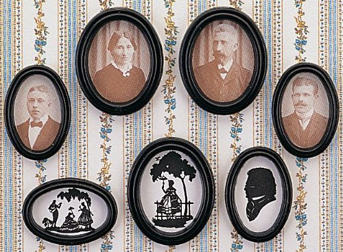 MiniMundus 12 ovale Bilderrahmen (Portraits und Scherenschnitte) ca. 3x4 cm(!) für das Puppenhaus