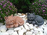 Steinfigur Katze mini 2er Set, Gartenfigur Steinguss Tierfigur Basaltgrau, Terrakotta Patina