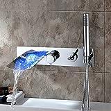 Led Bad Badewanne Wasserhahn LED Wasserfall Badewanne Auslauf Filler Wasserhahn Mit Handbrause Wandhalterung Messing Mischbatterie Wasserhahn