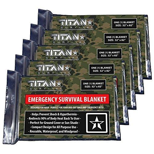 Titan extra dicker Notfall-Schlafsack aus Mylar, entworfen für NASA-Weltraum-Exploration und Wärmespeicherung. Perfekt für Survival-Kits und Go-Bags. Inklusive Nylon-Beutel mit Kordelzug und eBooks (Camo Winter Zelt)