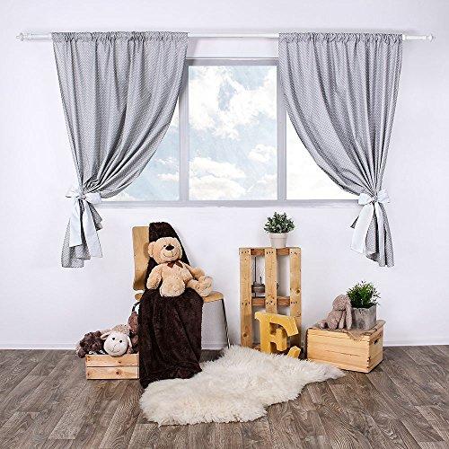 LULANDO Kinderzimmer Vorhänge Kindervorhänge Gardinen (155 cm x 120 cm) mit zwei Schleifenbändern zum Verzieren. In kinderfreundlichen Motiven erhältlich. Farbe:  White Dots / Grey