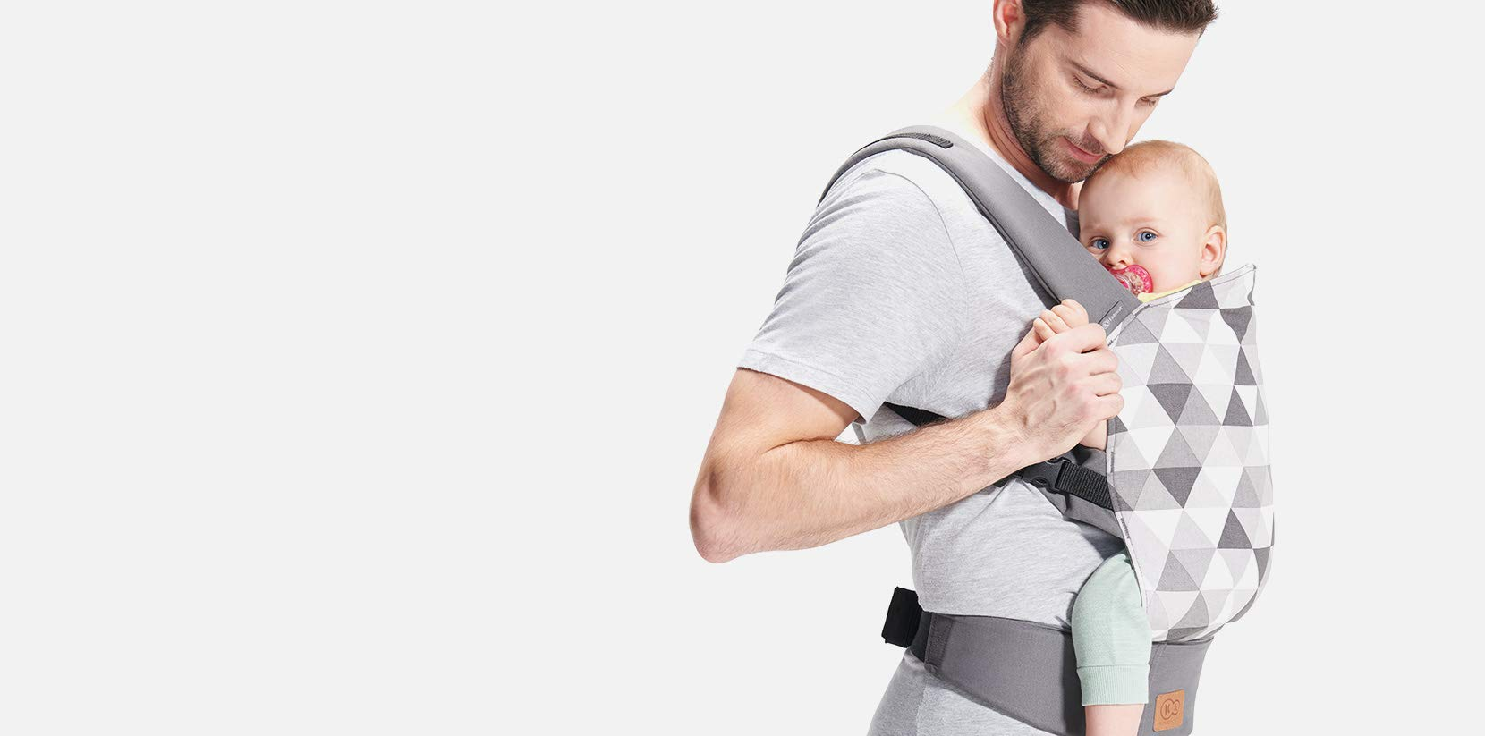 kk Kinderkraft Nino Ergonomic Baby Carrier Front Gray kk KinderKraft Thanks to a special, well-profiled layer, the baby's head does not tilt Ergonomic baby carrier for children aged from 3 months up to 20 kg The compact baby carrier can be folded to a small size and weighs only 0.39 kg 11