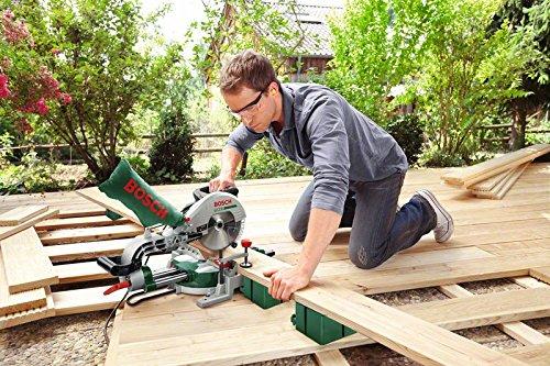 Bosch DIY Kapp- und Gehrungssäge PCM 8 ST mit Zugfunktion, Untergestell, 4 x Seitenverlängerungen, Arbeitsklemme, Kreissägeblatt Optiline Wood, Staubbeutel, Karton (1200 W, Kreissägeblatt Nenn-Ø  216 mm) - 4