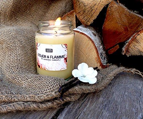 Duftkerze Feuer & Flamme mit Vanilleduft im Glas ✮ Vegane, wärmende Duftkerze mit erheiterndem Vanille-Duft ✮ Beste natürliche Kaminfeuer Vanille Kerze im Glas als Geschenk für Männer & Frauen