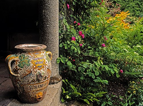 The Irish Image Collection/Design Pics - Temple and Garden Urn The Wild Garden Kilmokea Co Wexford Ireland Photo Print (81,28 x 60,96 cm) -