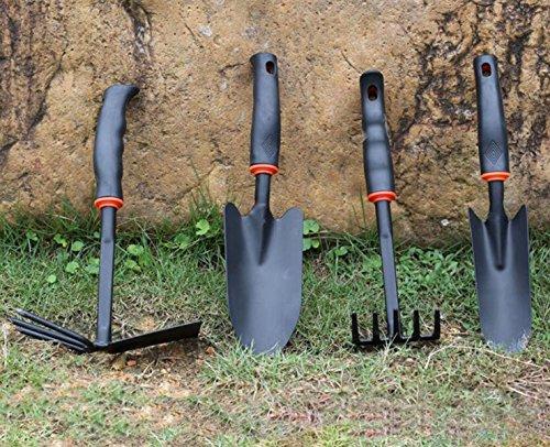 una-famiglia-di-quattro-persone-di-spessore-pala-di-giardinaggio-zappa-pala-rastrello-strumento-di-p
