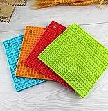 Generic Neue Produkt 4-Pcs Silikon Topflappen, Topfuntersetzer, Glasöffner, Löffelablage und Knoblauch Schäler Rutschfest, Spülmaschinenfest, hitzebeständig Hot Pads