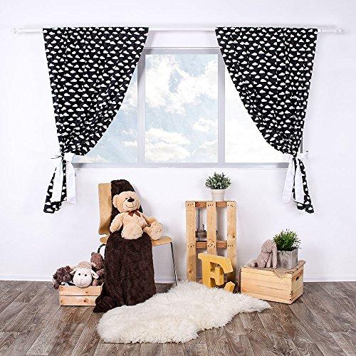 LULANDO Kinderzimmer Vorhänge Kindervorhänge Gardinen (155 cm x 120 cm) mit zwei Schleifenbändern zum Verzieren. In kinderfreundlichen Motiven erhältlich. Farbe:  White Clouds / Black