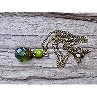 Vintage Halskette mit Anhänger aus böhmischen Glasperlen - grün, oliv & bronze