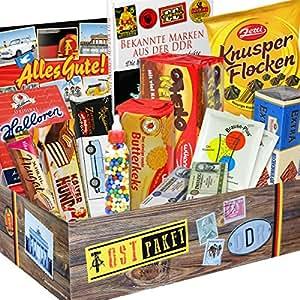 """Süssigkeiten Box als DDR Geschenkkorb INKL Buch +++ Halloren Kugeln Classic, Trabi Puffreis Schokolade, Butterkeks Original Wittenberger, Liebesperlen,Kalter Hund und mehr +++ inkl. Buch """"Bekannte Marken aus der DDR ++ Ostpakete DDR Waren DDR Geschenke für Männer DDR Produkte Präsentkorb DDR Süßigkeiten-Box"""