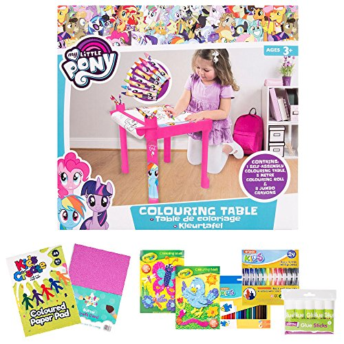 Cadeau de fille Bundle My Little Pony Craft Officielle - Table à colorier avec rouleau de papier de 5 m et crayons Jumbo & Goodies Craft - 3 ans et